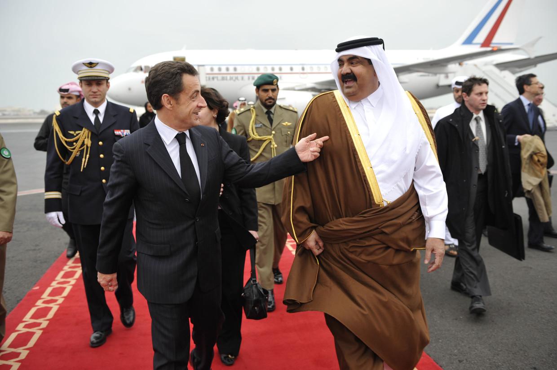 Nicolas Sarkozy, destijds president van Frankrijk, arriveert op Doha Airport, Qatar in 2008. Beeld Gamma-Rapho via Getty Images