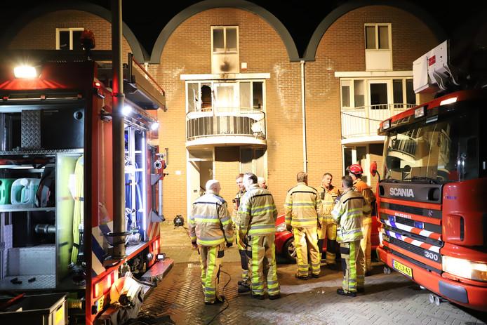 Brandweerlieden kregen het vuur snel onder controle, maar konden grote schade niet voorkomen.