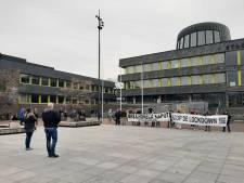 Demonstratie tegen lockdown voor stadhuis Doetinchem