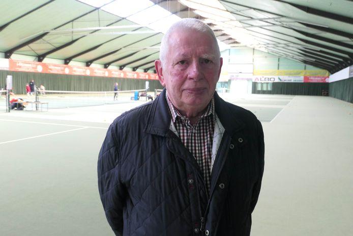 François Garcia is het oudste lid van tennisclub 't Sas.