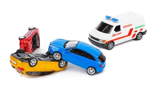 4-jarige kleuter belt politie voor gevallen moeder met hulp van speelgoedautootje