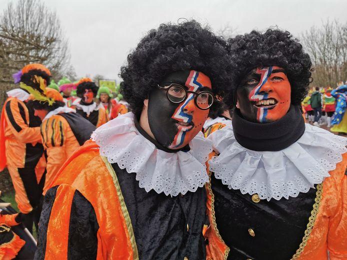 75 jaar genieten zonder zeurpieten. De carnavalsvereniging uit Eede bestaat 75 jaar.