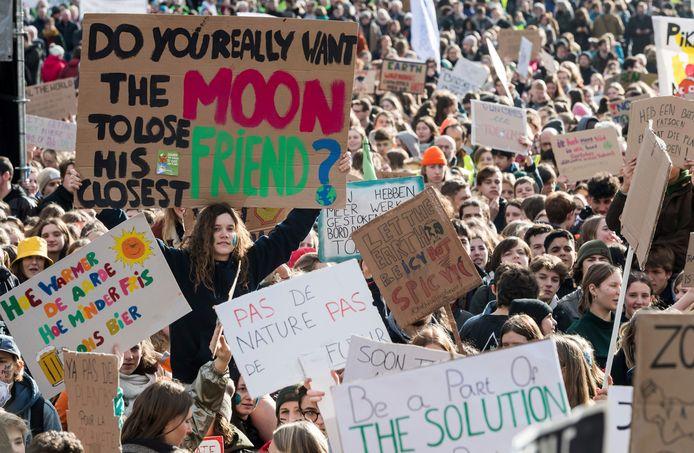 Ook in Leuven, België, gingen duizenden mensen de straat op voor een beter klimaatbeleid.