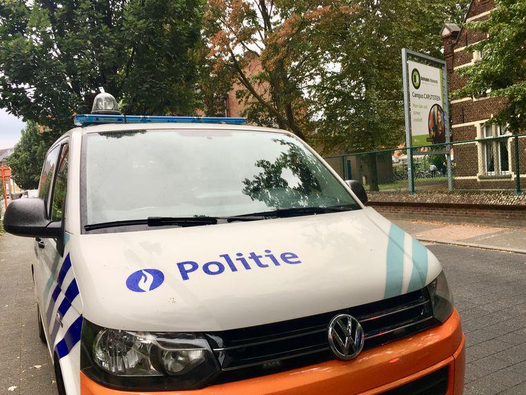 MECHELEN - De politie kwam massaal ter plaatse in de zoektocht naar de verdachten