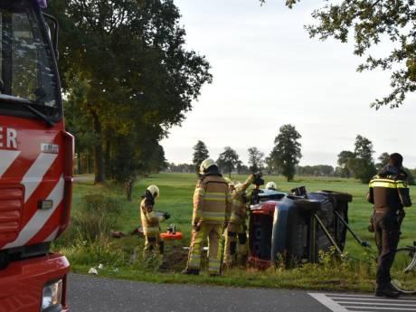 Gewonde bij flinke botsing, kruispunt Klaas Kloosterweg bij Staphorst afgesloten