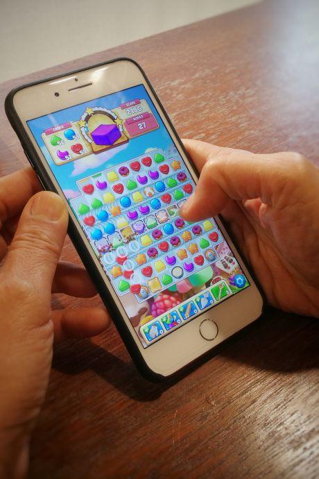 Spelletjes spelen op mobiel ongekend populair in Oost-Nederland