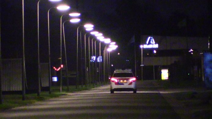 Met meedere voertuigen zocht de politie op industrieterrein Marssteden naar de 16-jarige jongen.
