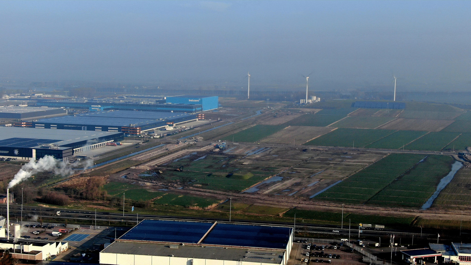 Bedrijventerrein Haven in Waalwijk wordt steeds verder uitgebreid. Dat betekent ook veel extra banen.