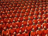 Geen raketten, wel gasmaskers in militaire parade Noord-Korea
