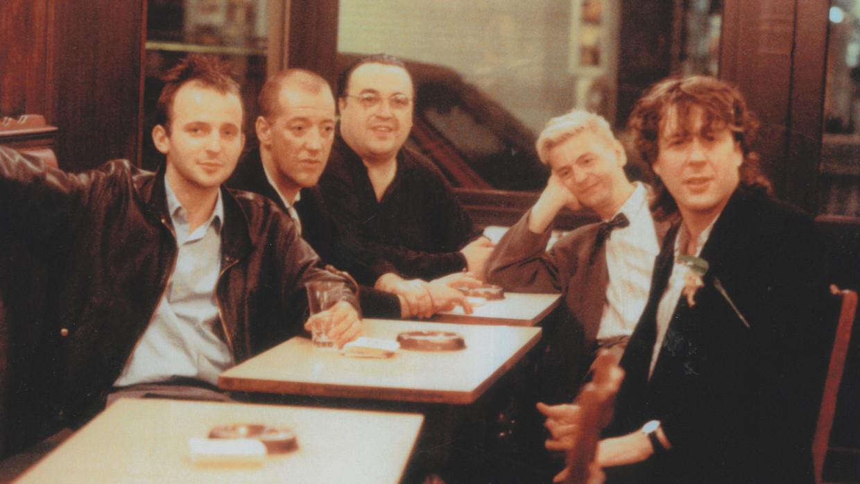 Dominique Deruddere, Josse De Pauw, Marc Didden, Jan Decorte en Arno in 'Charlatan'.  Beeld VRT