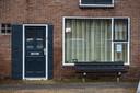 Pand aan 'Het Midden' in Bant is verzegeld door de gemeente Noordoostpolder.