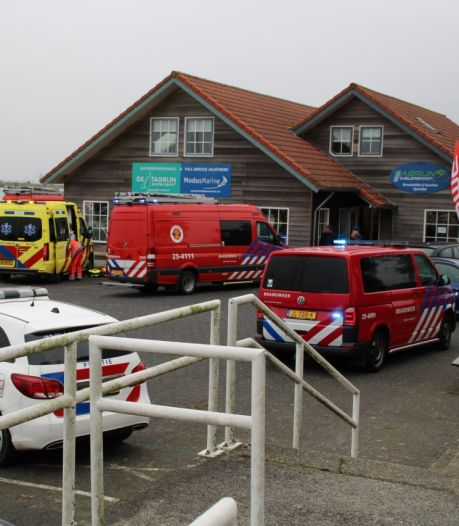 Drenkeling door omstanders uit water gehaald in Lelystad: slachtoffer met spoed naar ziekenhuis