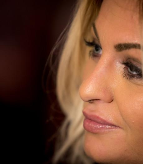 Ex-porno-actrice Bobbi Eden lanceert nieuw haakboek in Utrecht