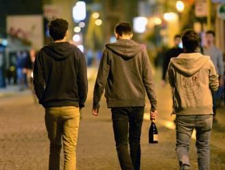 """Jongeren ervaren vooroordelen in publieke ruimte: """"Ze boksen op tegen argwaan en daar gaan we iets aan doen"""""""