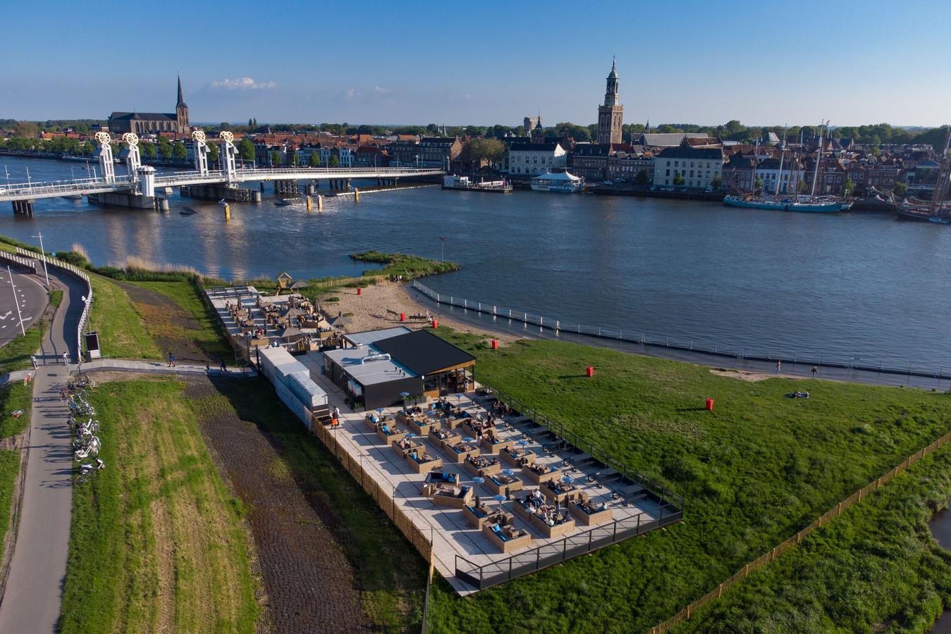 Met onaangekondigde metingen gaat Kampen controleren of paviljoen Hanzezicht zich aan de geluidsregels houdt.