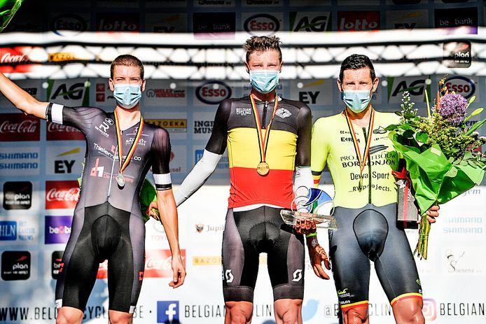 Voor het eerst in zijn loopbaan kroonde Guillaume Seye zich tot Belgisch kampioen. In de tijdrit in Ingelmunster hield hij Rutger Wouters en David Boucher af.