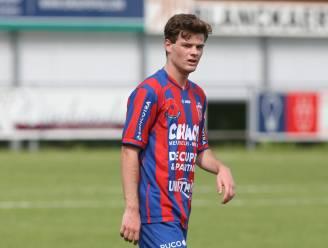 """Yentl Dewilde (KVK Westhoek) maakt duidelijk progressie: """"Vorig seizoen was het nog wennen aan het niveau"""""""