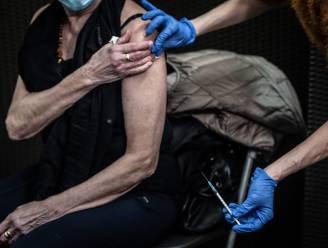 82-jarige overlijdt na vaccin: onderzoek naar mogelijk verband