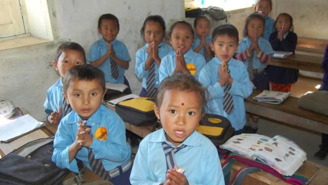 Ook hier is het 1 september: zo ziet een eerste schooldag in Nepal eruit