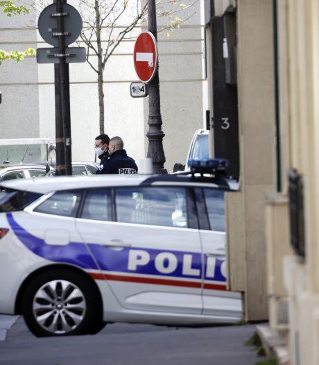Un homme tué et une femme grièvement blessée par balles devant un hôpital à Paris, l'auteur en fuite