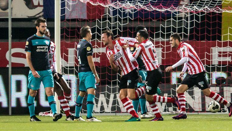 Sparta-speler Bart Vriends viert de eerste treffer tegen PSV. Beeld anp