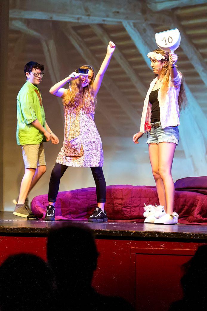 Pix4Profs-Ron Magielse zevenbergen-de musical 'i want my prince!' wordt opgevoerd door leerlingen en docenten van markland college. bewoners van de zeven schakels mochten voorstelling gratis bezoeken.
