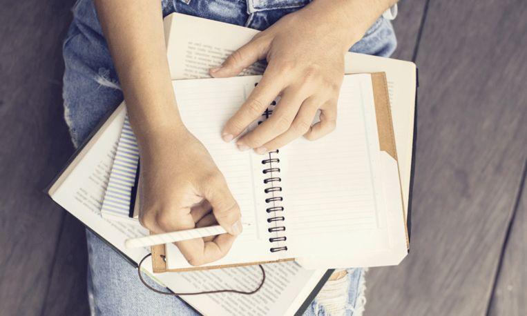 Meisje schrijft excuusbrief aan agent