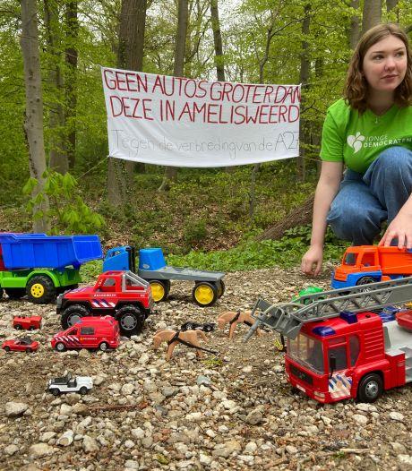 Jongeren met speelgoedauto's in actie tegen verbreding A27: 'Den Haag is zo ongeveer de enige die nog voor is'