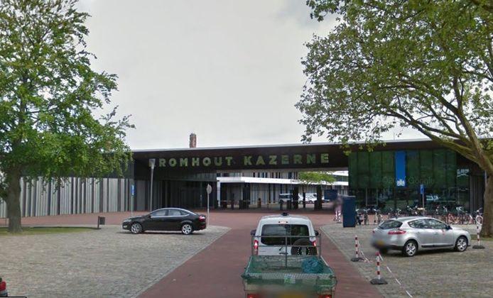 De poort van de Kromhoutkazerne tegenover stadion Galgenwaard in Utrecht.