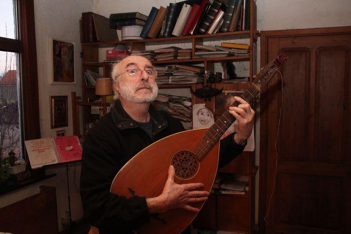 Zanger Jan De Wilde bij hem thuis op 'den Beirg' in Aaigem.