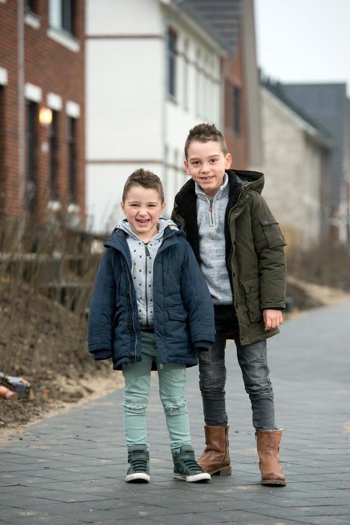 Lewis (7) en Miles (4) Lina uit Huissen.