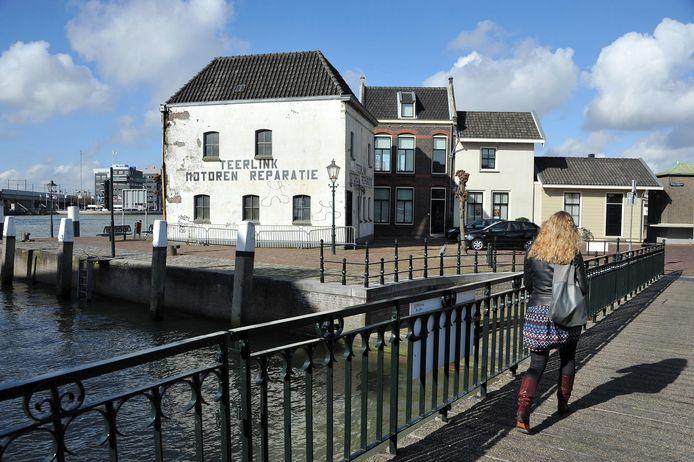 Pand Teerlink aan de Buiten Kalkhaven.