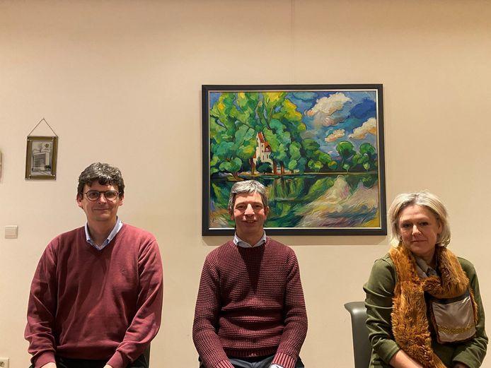 Van links naar rechts: Ronny Lemmens (operationeel directeur SLG), Rudi Penninckx (directeur De Kouter) en Katrien Spaas (centrumleider).