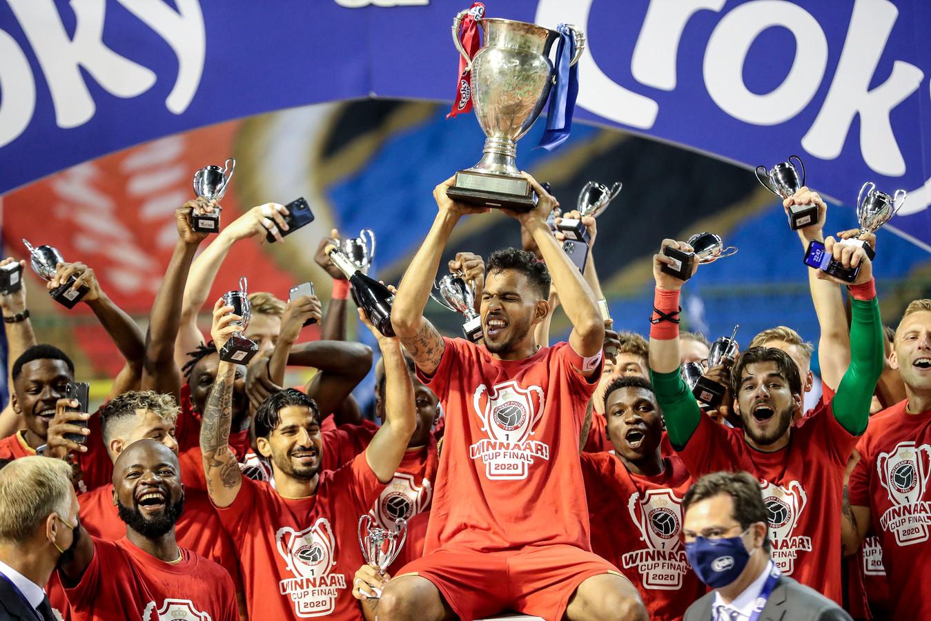Net als begin augustus was Antwerp ook gisteren aan het feest: het kreeg van de KBVB zonder problemen de licentie voor volgend seizoen.