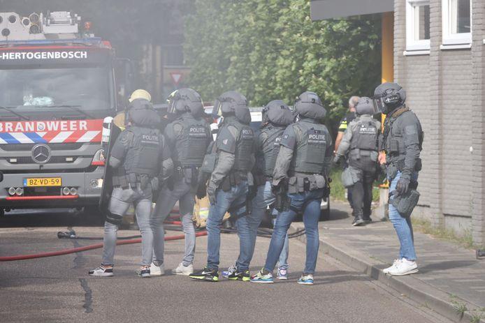 Een arrestatieteam van de politie, zoals dat donderdag ook werd ingezet in Eindhoven (archieffoto)