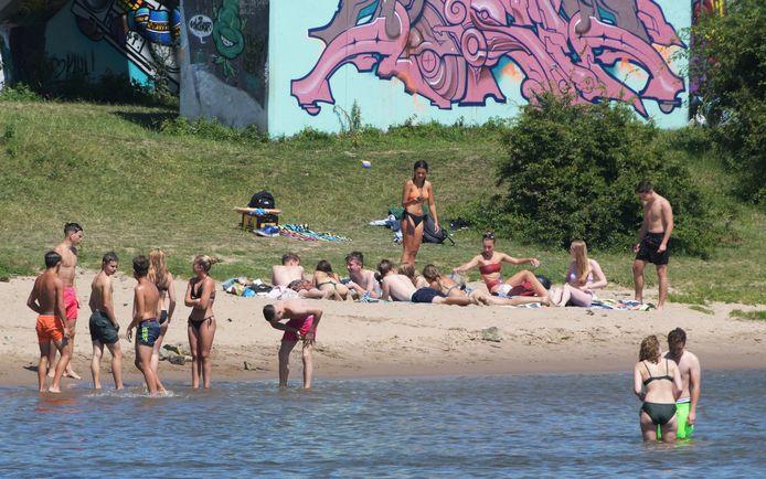 Het was druk op de strandjes in Wageningen.