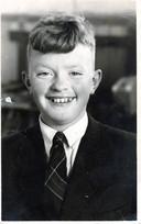 Een jonge Kees de Knoop, een jaar of 7, 8 oud.