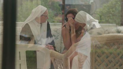 PREVIEW. 'Oh My God': Hoe lang kan Chloë het sobere kloosterleven nog aan?