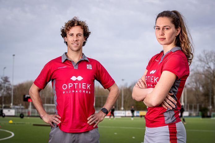 Laurens de Kok en Manon Mulder, de aanvoerders van de succesvolle eerste teams van HCP uit Pijnacker.
