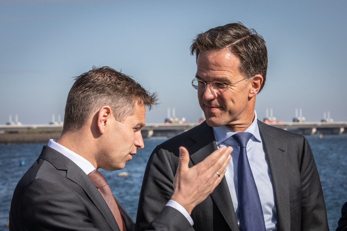 Premier Mark Rutte komt volgende week donderdag naar Vlissingen om te praten over het dossier marinierskazerne.