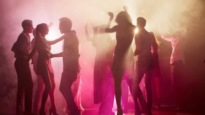 Vriendengroep van Tim (20) uit Enschede test massaal positief na feest in Aspen Valley: 'Het is één grote chaos'