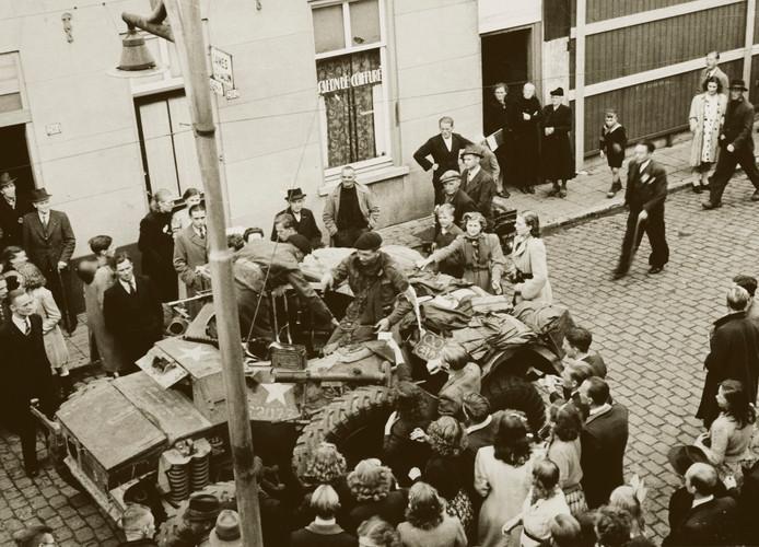 Bevrijding van Helmond op 25 september 1944, de Molenstraat.