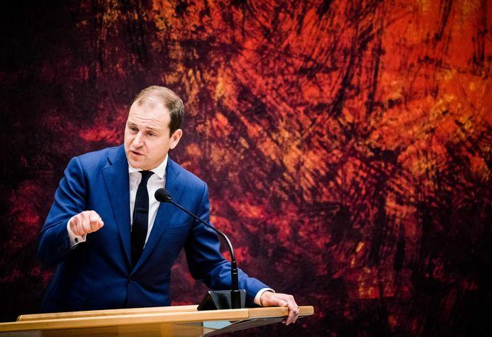 Lodewijk Asscher (PvdA) in de grote zaal van de Tweede Kamer