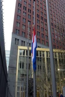 In beeld: Den Haag hangt vlag halfstok na het drama in Utrecht