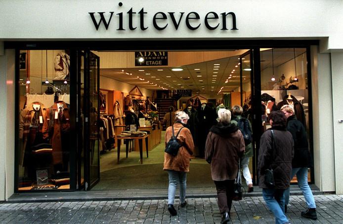 Witteveen Mode Jassen : Witteveen mode failliet medewerkers op straat