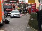 Auto rijdt bewust in op carnavalsstoet Duitsland