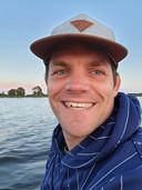 Sibbe Jan is 34 jaar oud. Opgegroeid in Joure (Friesland) met drie jongere broertjes. Zijn ouders wonen daar nog.