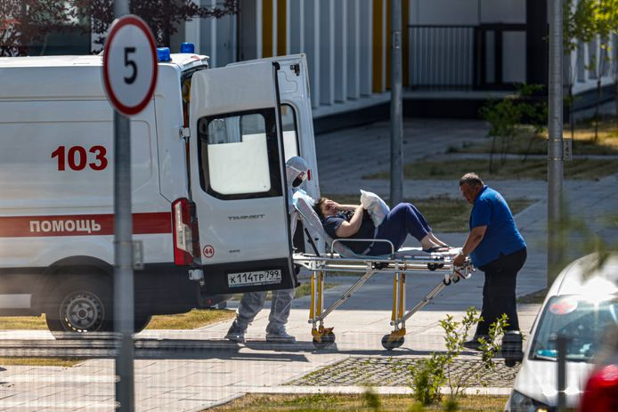 Veel Russische ziekenhuizen zien een piek in nieuwe Covid-19-patiënten door de Deltavariant.