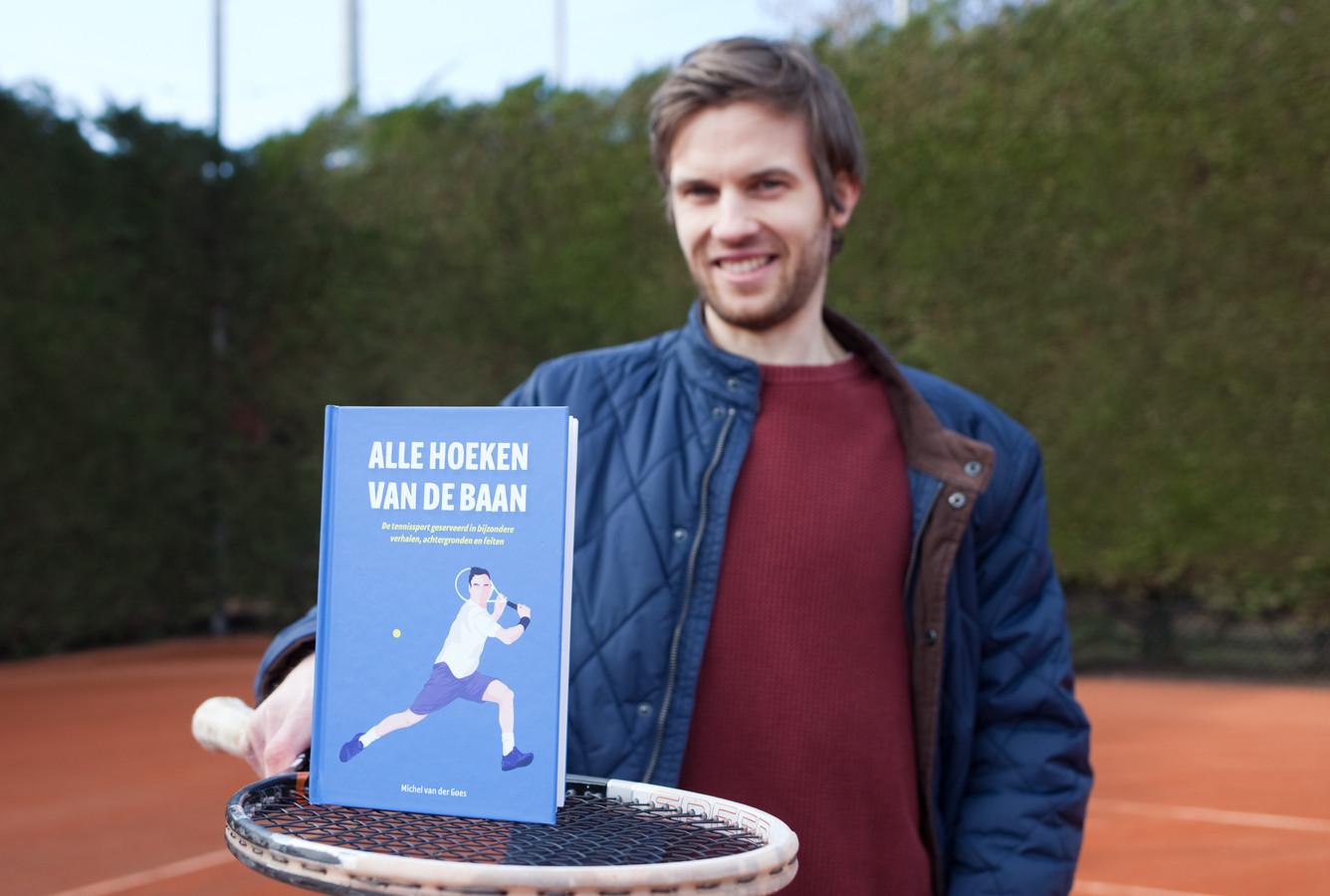 Michel van der Goes serveert zijn nieuwe boek: Alle hoeken van de baan.
