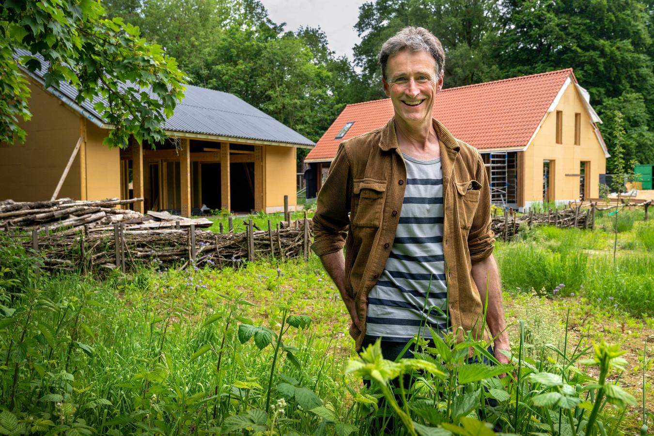 Joeri de Bekker bouwt een duurzame woning op het landgoed de Wamberg.